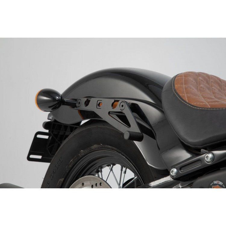 Βάση πλαϊνού σαμαριού SLH Harley Davidson Softail Slim 17- δεξιά