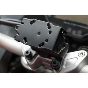 Βάση GPS SW-Motech Quick-Lock στην τιμονόπλακα Ducati Multistrada 950/1200 Enduro